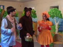 Азербайджанский театр в Дербенте порадовал детей новым спектаклем