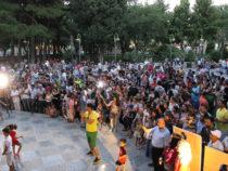 Известные певцы выступили с концертом на Площади фонтанов в Баку