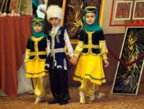 ФНКА АзерРос представила спектакль «Связь времен и народов: стань частью танцевальной истории» в Президент-Отеле