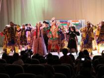 Азербайджан, Грузия и Индия продемонстрировали свои народные танцы