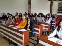 В Баку прошел круглый стол«Ф.М. Достоевский в работах азербайджанских литературоведов»