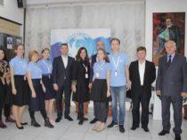 В Баку представили книгу молодого писателя Тимура Азисова
