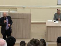 Азер Сафаров: Изучение азербайджанского языка открывает большие перспективы перед молодыми гражданами России