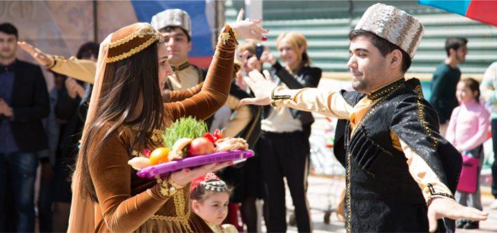 Президент Ильхам Алиев поздравил азербайджанский народ с праздником Новруз