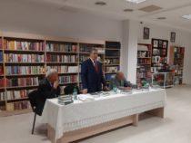 Профессор Газанфар Кязымов представил свои книги, посвященные истории литературного азербайджанского языка