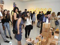 В Баку открылась выставка под названием «Девичья башня. Быть женщиной»