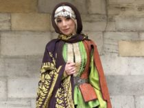 Фотограф показала, как одевались бакинки XIX века