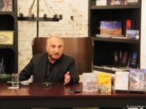 Вышла в свет новая книга народного писателя Азербайджана Натига Расулзаде